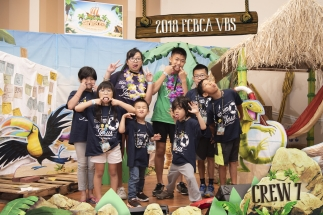 2018 FCBCA VBS Crew 7 Photo silly